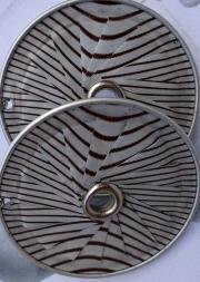 Ohrhänger Lamelle Öse weiß braun gestreift Kokosnuss upcycling Alu Kapsel leer Aluminium Schmuck gefertigt von Marion Heine Soulous Art