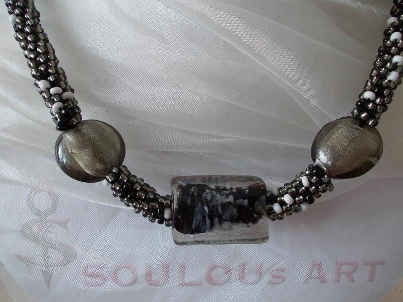 soulous art marion heine besteckschmuck leder accessoires perlenketten aus rocailles. Black Bedroom Furniture Sets. Home Design Ideas