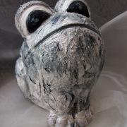 *Stone* Relief-Keramik-Guss-Frosch handbemalt Unikat weiß schwarz grau Stein gefertigt von Marion Heine Soulous Art