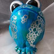 *Aqua* Relief-Keramik-Guss-Frosch handbemalt Unikat hellblau silber weiß schwarz Wasser gefertigt von Marion Heine Soulous Art