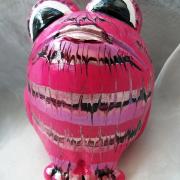 *Pink Equalizer* Relief-Keramik-Guss-Frosch handbemalt Unikat pink rosa violett weiß schwarz silber gefertigt von Marion Heine Soulous Art