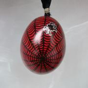 Hühnerei handbemalt wasserfest silber schwarz rot Spinnennetz gefertigt von Marion Heine Soulous Art