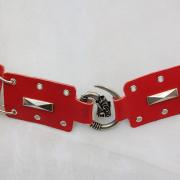 Ledergürtel in rot + weiß geöst und mit Ziernieten + Drachenschnalle Detail echt Leder Mittelalter Larp Fantasy Rollenspiel Gothic Steampunk gefertigt von Marion Heine Soulous Art
