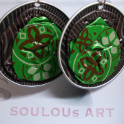 03 Ohrhänger Springl grün braun Nespresso Ciocattino UMUTIMA wa LAKE KIVU RWANDA upcycling Alu Kapsel leer Aluminium Schmuck gefertigt von Marion Heine Soulous Art