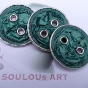 Knöpfe grün Nespresso Fortissio Lungo upcycling Alu Kapsel leer Aluminium Schmuck gefertigt von Marion Heine Soulous Art