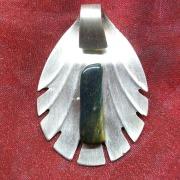 05 Besteck Schmuck Anhänger Feder Gabel Löffel silber Art Deko WMF BSF OKA Wilkens R&B Wellner gefertigt von Marion Heine Soulous Art