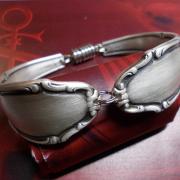 03 Besteck Schmuck Armband Gabel Kuchengabel silber Löffel Kaffeelöffel Magnet Art Deko WMF BSF OKA Wilkens R&B Wellner gefertigt von Marion Heine Soulous Art