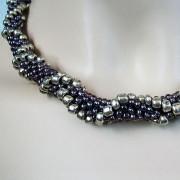 Perlen - Kette Schmuck Rocailles anthrazit silber gehäkelt von Marion Heine Soulous Art