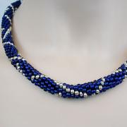 Perlen - Kette Schmuck Rocailles blau silber gehäkelt von Marion Heine Soulous Art