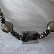 Perlen - Kette Schmuck Rocailles anthrazit Metallic Silberfolienglasperlen gehäkelt von Marion Heine Soulous Art