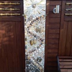 Betonpfeiler Zaunverbindung Sichtschutz Mosaik Garten Muscheln Schnecken Muscheln Meerestiere Strandgut gefertigt von Marion Heine Soulous Art