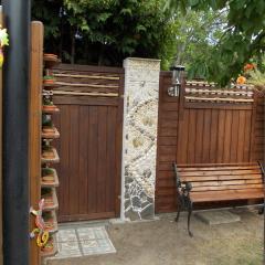 Betonpfeiler Zaunverbindung Sichtschutz Mosaik Garten Muscheln Schnecken Muscheln Meerestiere Strandgutgefertigt von Marion Heine Soulous Art