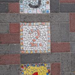 Hüpfspiel  1 2 3  Himmel und Hölle Hickelkasten Bodenplatte gefertigt von Marion Heine Soulous Art