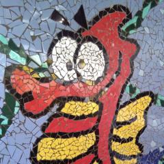 Mosaik Garten Fliesen Kacheln Merrestiere Seepferd Hypocampus gelb grün hellblau türkis rot schwarz gefertigt von Marion Heine Soulous Art