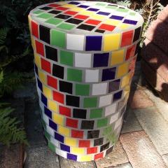 Blumensäule Beton massiv Säule klein Mosaik Garten Fliesen Kacheln gefertigt von Marion Heine Soulous Art