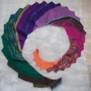 Drachenschal Schal Stola bunt gestrickt gefertigt von Marion Heine Soulous Art