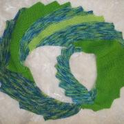 Drachenschal Schal Stola grün gestrickt gefertigt von Marion Heine Soulous Art