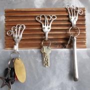 Hakenleiste Hakenbrett Garderobe Schmuck Schlüssel Handtücher Kabel gefertigt aus Gabel und Terrassendielen made by Soulous Art
